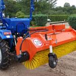ecopard Traktor Kehrmaschine für den Kommunaleinsatz bzw die Straßenreinigung