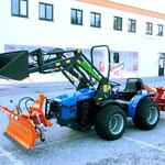 ecopard Allradtraktor mit Schneeschild, Frontlader und Mähwerk