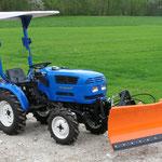 ecopard Kleintraktor mit hydraulischem Schneeschild für den Winterdienst