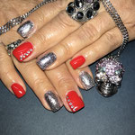 Bild - Feel Good Nails - Strasssteine