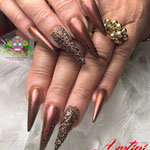 Bild - Feel Good Nails - Stilettos mit Perlen