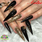 Bild - Feel Good Nails - Stilettos mit Steinchen