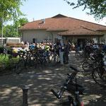 """Blick von der """"Startstelle"""" vor der Wiesbachtalhalle auf diese selbst"""
