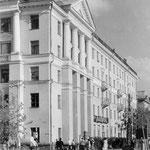 Перекрёсток улицы Николаева и улицы Советской.