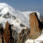Photo: Stefan Joller / Location: Arête des Cosmiques, Chamonix