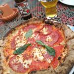 Nochmal Hamburg Ende April mit Bier und Pizza im Überquell