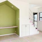緑色の壁紙が可愛いです