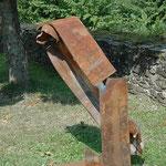 Sprung 4 Arbeit Nr. 11/2013 L 90 cm, H 180 cm, B 70 cm Stahlträger auf Plinthe