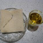toastbrot entrindet und olivenöl
