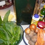 zutaten: bärlauch, zwiebeln, kartoffeln, möhre, olivenöl und butter, gemüsewürfel, zitronensaft, wasser, sahne