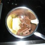 butter und schokolade im wasserbad schmelzen