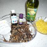 zutaten: lanolin, olivenöl, beinwellwurzeln, bienenwachs; propolis- und pfefferminzöl