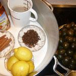 zutaten für die essigmarinade: zimtrinde, gewürznelken, bio-zitrone, wasser, essig, vanillezucker