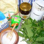 zutaten: glattes mehl, dinkelvollmehl, hefe, lauwarmes wasser, honig, kräutersalz