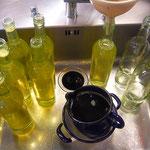 mit bio-zucker vermischen, einmal aufkochen und in flaschen füllen