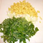wiesenbärenklau, zwiebeln und kartoffeln zerkleinern