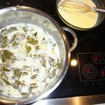 mit gemüsesuppe auffüllen und 5 min. köcheln lassen, danach mit dem zauberstab pürrieren