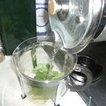 mit kochendem wasser übergießen