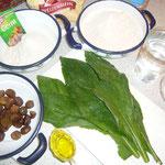 zutaten: 10 beinwellblätter, weizen- und dinkelmehl, wasser, trockengerm, kräutersalz, maronen und öl