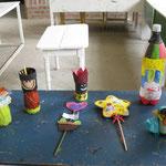 Bastelarbeiten der Kinder vom letzten Schuljahr