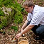 Jan beim Schwammerl sammeln