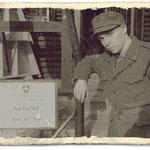 Unser Mun Wm in einer typischen Uniformkombination: Feldmütze der Ord. 1940 mit Waffenrock der Ord. 1949
