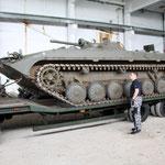 Der Mowag ist in guter Gesellschaft: ein Schützenpanzer BMP-2 der Nationalen Volksarmee (NVA) der DDR