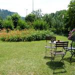 Vorgarten mit Springbrunnen