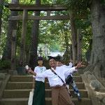 空き時間には近くの神社に行って日本の自然と文化を満喫