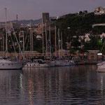 El Puerto de Las Palmas y el Cap's al fondo,  esperando...