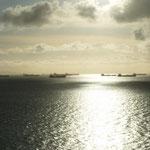 Los  buques petroleros esperando para cargar