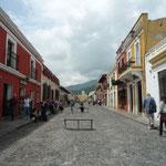 Calle del Arco, calle peatonal más importante y pintoresca de Antigua