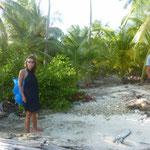 Desembarcamos en una isla de Holandeses en busca de plátanos
