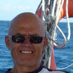 Jose disfrutando de la navegación