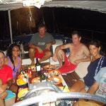 Cenando en el Excess, el barco de Peyo con los amigos del Cuculí