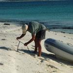 Sarqui. Amarrando el dinghy