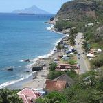 El paseo del mar, con la isla de Saba atrás