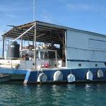Barco-taller en Tyrrel Bay