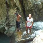 Nos refrescamos en el río