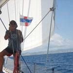 Izando la bandera de las Antillas holandesas