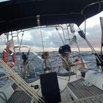 Navegando siempre escorado a la misma banda