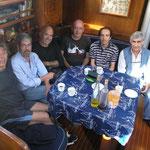 Tomando café en el Cap's y unos ricos licores de Galicia