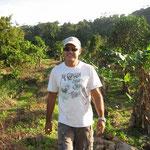 Jose respirando el agradable ambiente en el campo