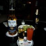Los tequilas no pueden faltar en el Tenampa