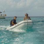 Yendo a tierra con el dinghy