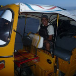 Mototaxi en Santa Elena para ir a Flores