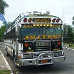 Autobús de línea cerca del Lago Nicaragua