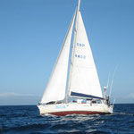 El Bahía con viento de través ya hecha la virada hacia Puerto la Cruz