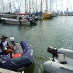 Nos dirigimos a pisar tierra colombiana con el dinghy