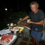 Juancito preparando la carne argentina